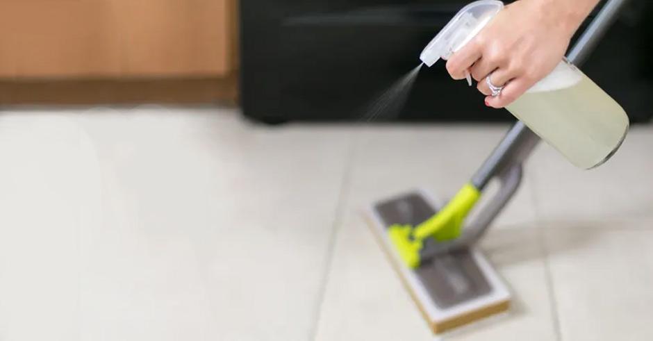 تمیز کردن کف خانه با سرکه؛ ادعا یا واقعیت؟