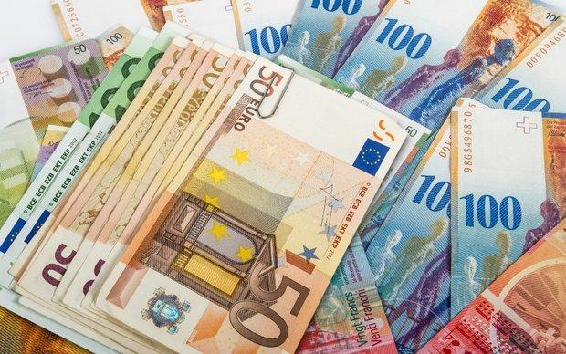 یورو و پوند گران شد، دلار ثابت ماند