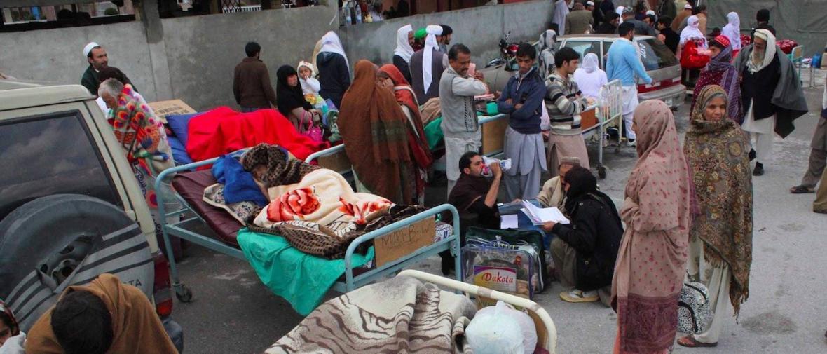 آخرین گزارش از شرایط زلزله زدگان افغانستان و پاکستان: بی خانمانی در سرمای شدید